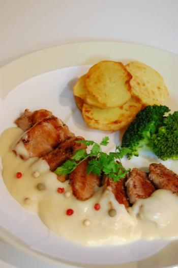 豚ヒレ肉のソテーシチューソース