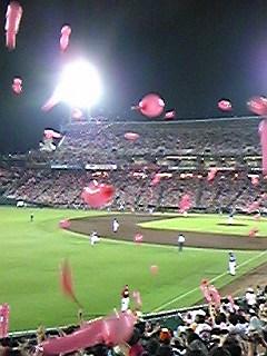110730広島で飛んでる風船