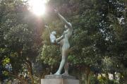 燮と書いてあった銅像