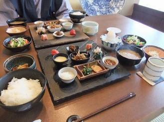 すみれ 朝食 (2)