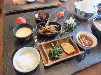すみれ 朝食 (3)
