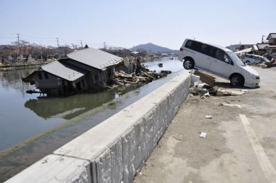 tsunami 694