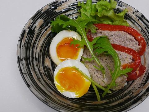 煮玉子+パプリカ肉詰め
