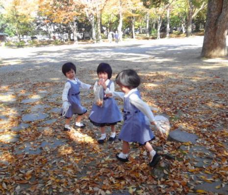 三つ子の女の子
