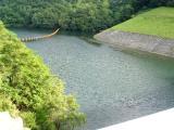 ダム湖全景