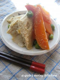 凍り豆腐とにんじん