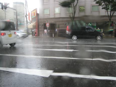 スコール的雨1