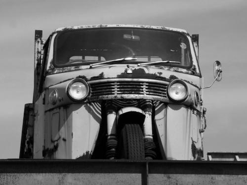 R0012089三輪トラック