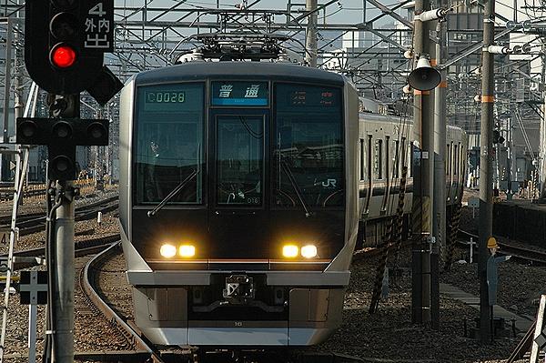 321系D16編成@京都駅
