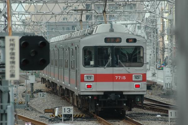 7700系7915F