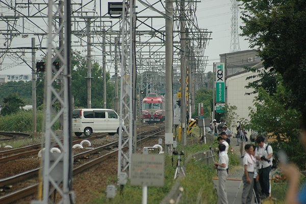 伊奈駅へ・・・