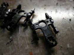 集電板の貫通する穴を開口