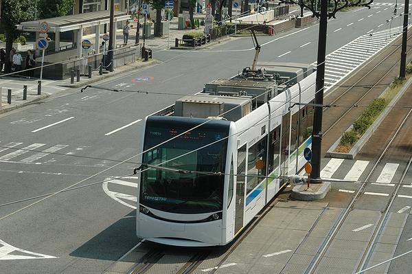 市内線唯一の低床車
