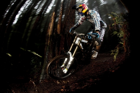 20090224-Gee_Atherton_Riding_3_sized.jpg