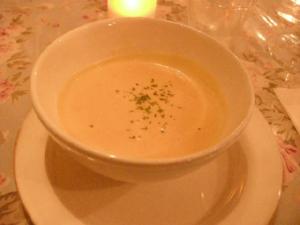 スープ:サラッサラのかぼちゃ、とろけます。