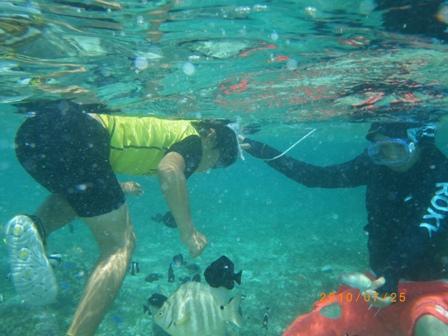沖縄家族旅行2010 ナガンヌ島 011