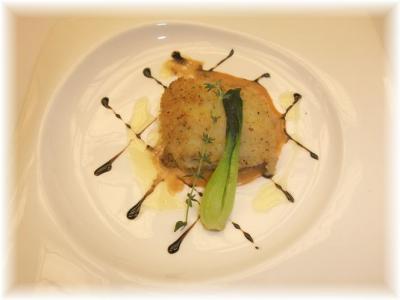 4)舌平目のシャンピニオン デュクセル詰め香草パン粉焼き バルサミコソース