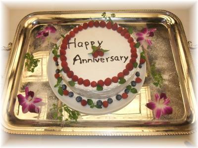 7)特注のアニバーサリーケーキ