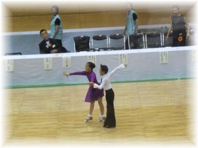 小学校高学年男女カップル・Lオナーダンス