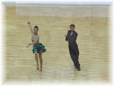 高校生男女カップルLオナーダンス