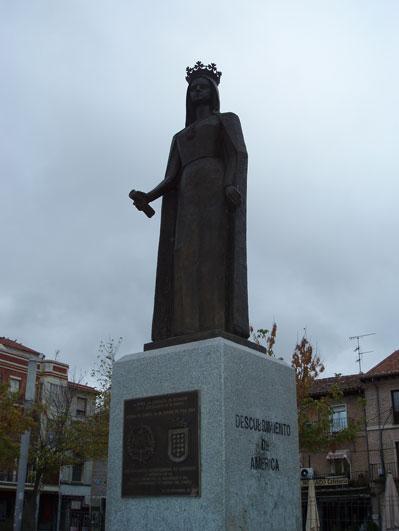 イサベラ女王の銅像