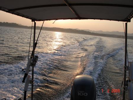 090206湖陵を望む