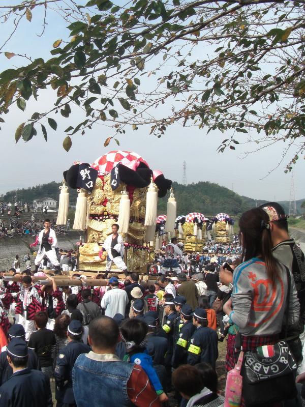 西条祭り 渦井河原河川敷 野口太鼓台