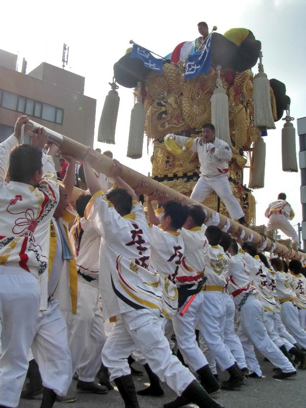 新居浜太鼓祭り 川西 工場前かきくらべ 庄内太鼓台