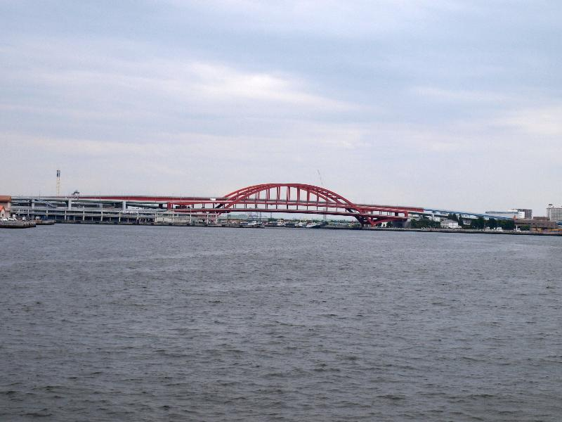 神戸 ルミナス神戸2 クルーズ船 風景