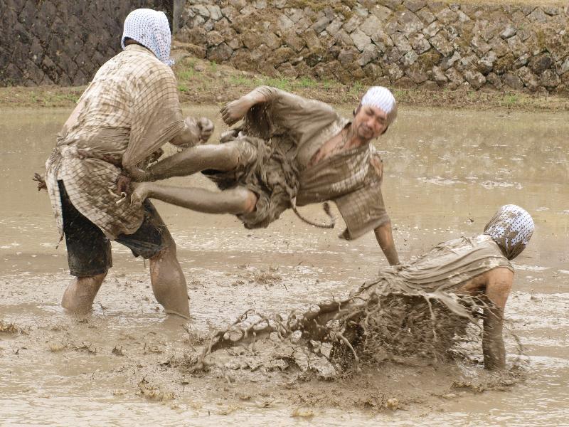 どろんこ祭り 城川町 畦豆植え 4人の若衆