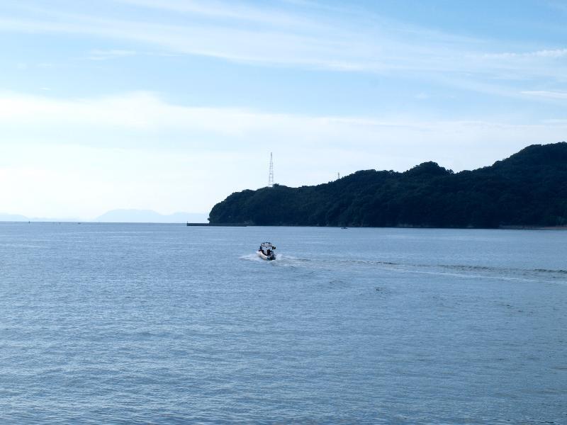 新居浜市 海岸通りからの大島