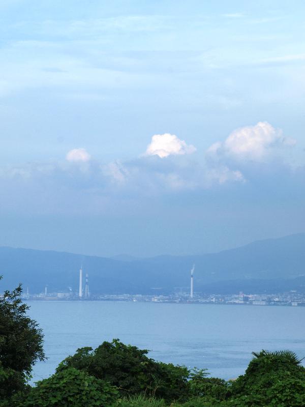 土井町 西ノ江と四国中央市製紙工場