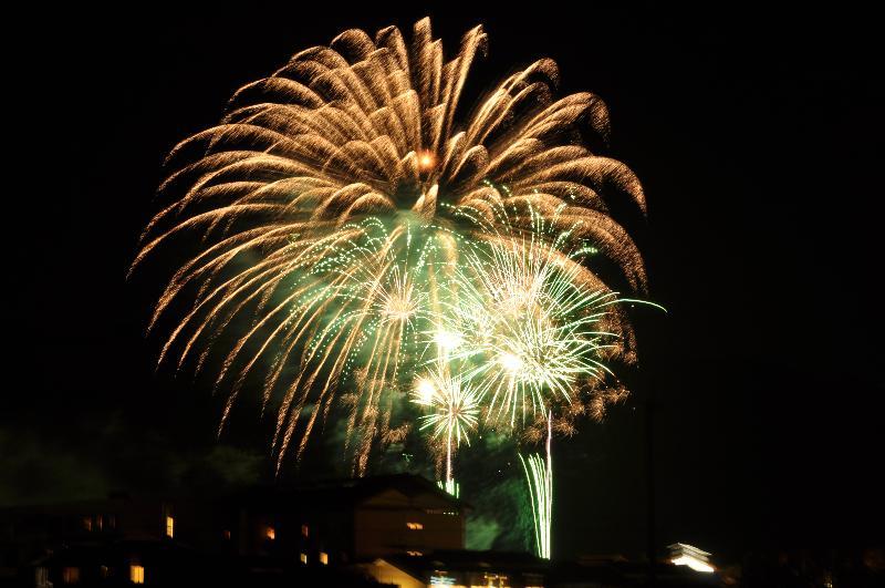 東温市 観月祭 打ち上げ花火