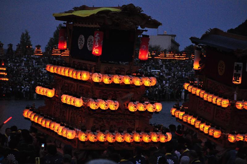 西条祭り 伊曽乃神社祭礼 加茂川 川入