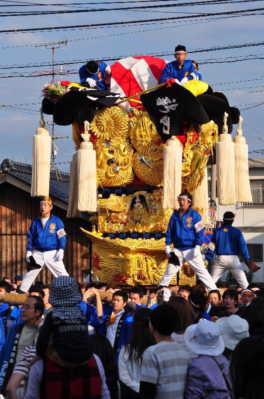 新居浜太鼓祭り 工場前かきくらべ 新田太鼓台