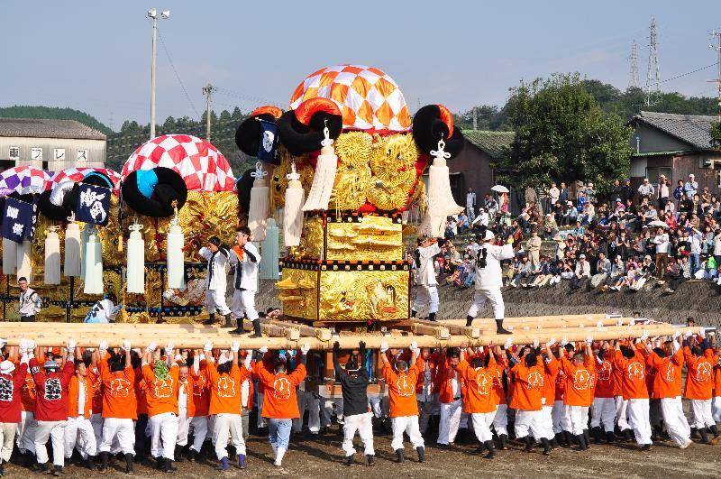 西条祭り 渦井川原かきくらべ 八幡太鼓台
