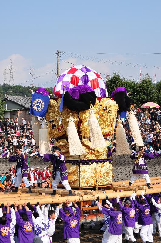 西条祭り 渦井河原かきくらべ 上組太鼓台