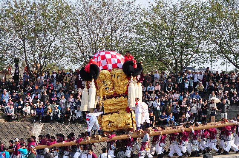 西条祭り 渦井河原かきくらべ 船屋太鼓台