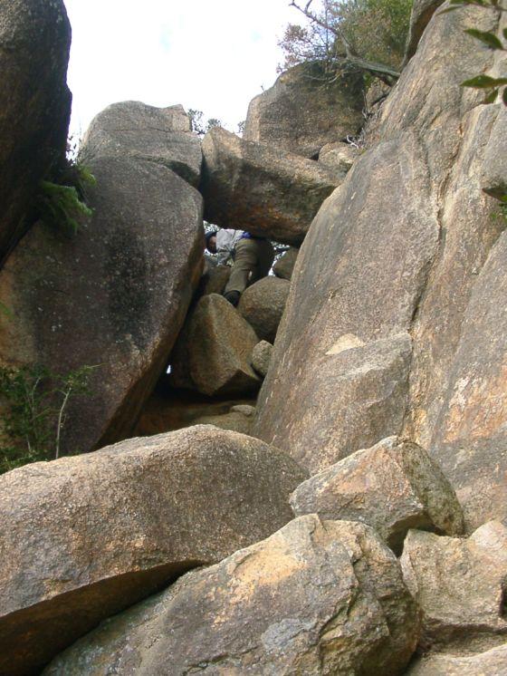 07 岩穴