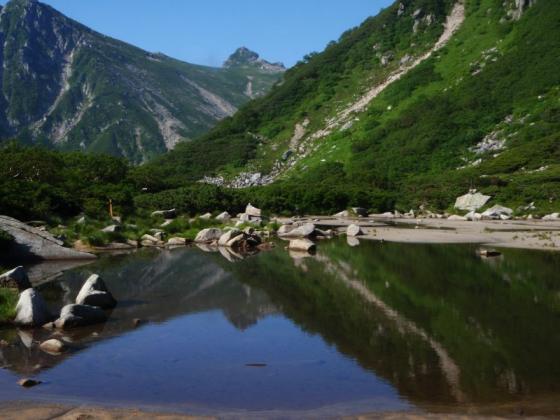 12水面の宝剣岳