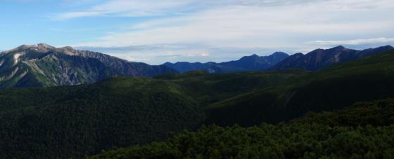 30雲の平を取り巻く山々