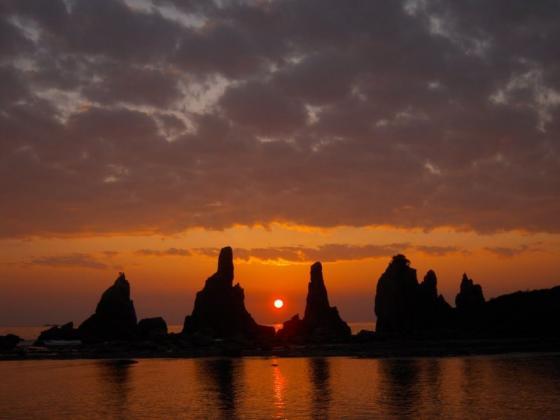 19 橋杭岩の日の出