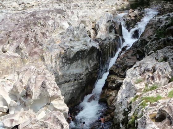 25 滝の拝