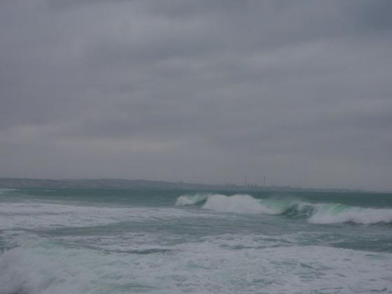 04 海は波高し