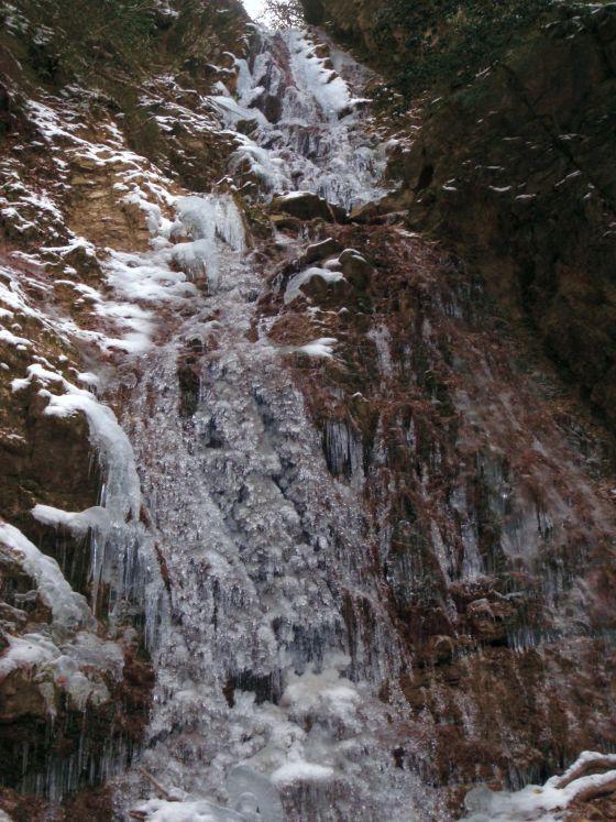 07 似位滝下から