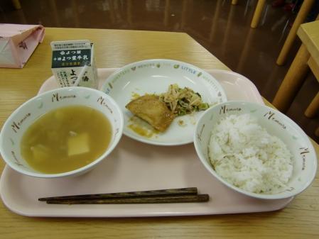 母の部会後給食