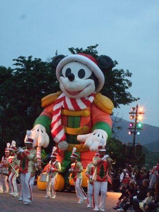 パレードのミッキー