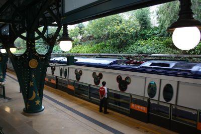 ディズニーランド駅
