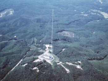 東日本の標準時計を支える電波塔