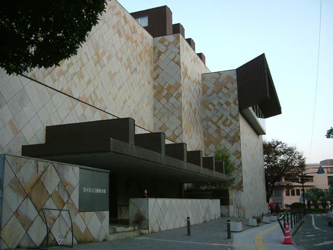 081207_熊本県立美術館分館1
